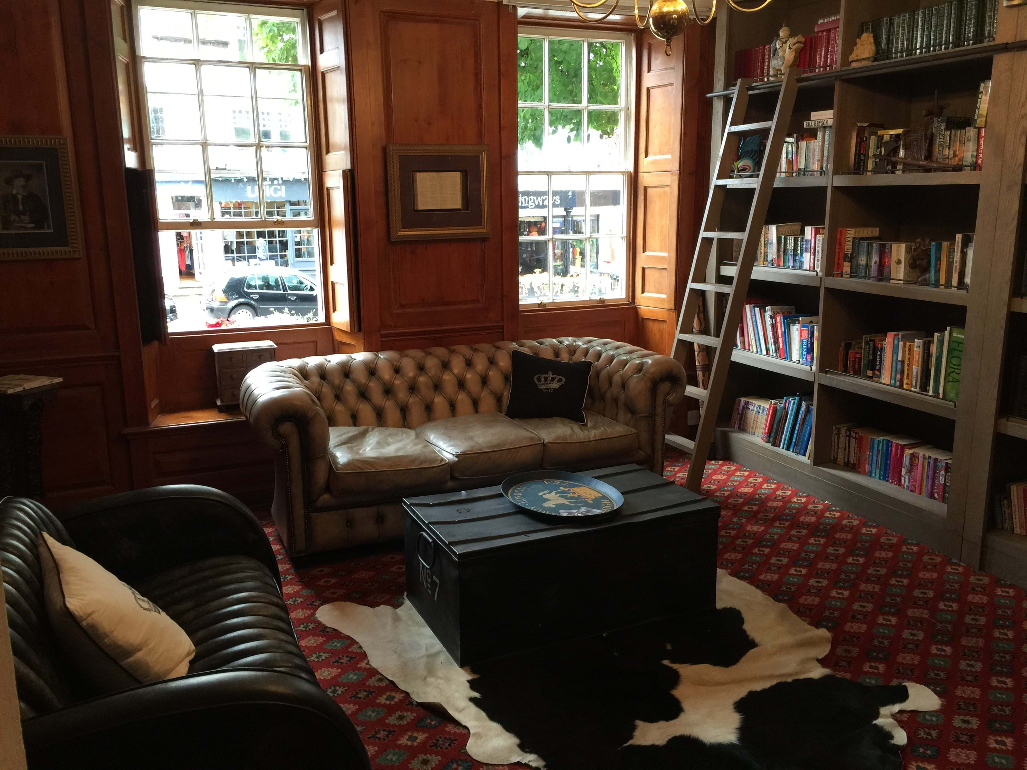 The Georgian House Hotel Library