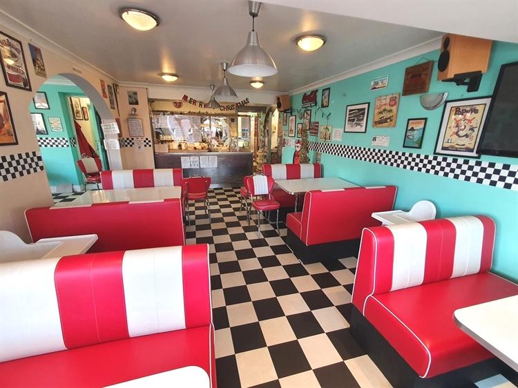 freehold detached motel restaurant - 9