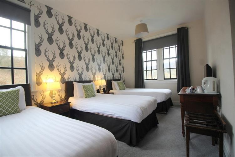 outstanding six bedroom guest - 6