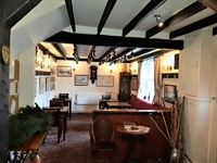 gloucestershire freehouse first time - 3
