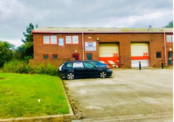 established car specialist garage - 11