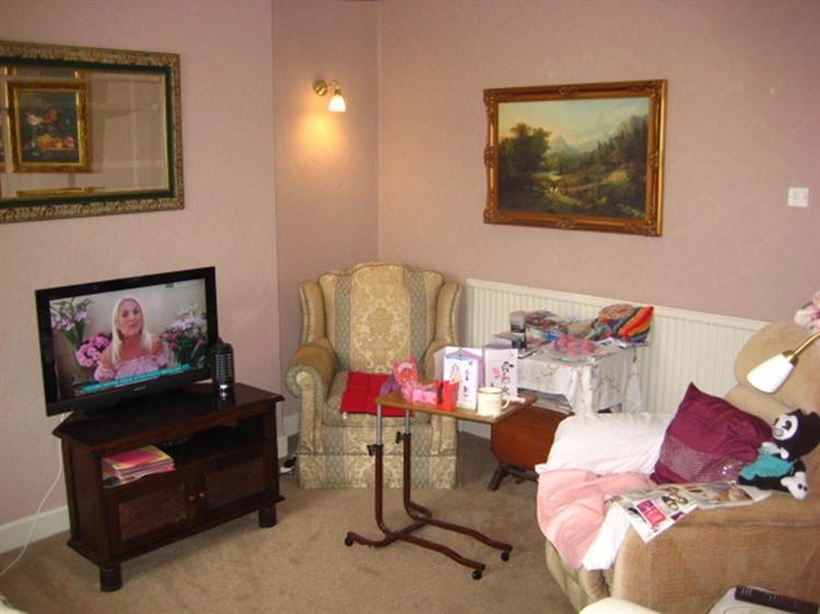 freehold 8 bedroom residential - 10