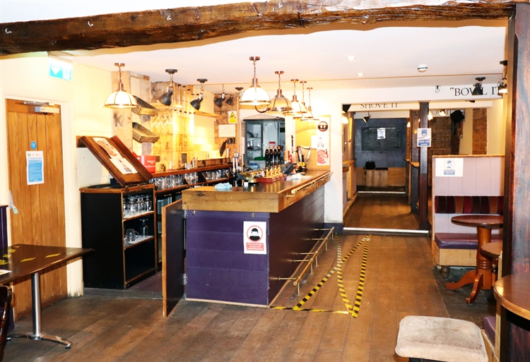 freehold freehouse with accommodation - 6