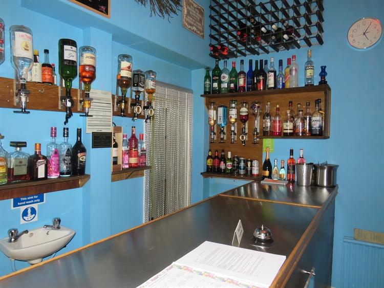 long established restaurant bar - 8