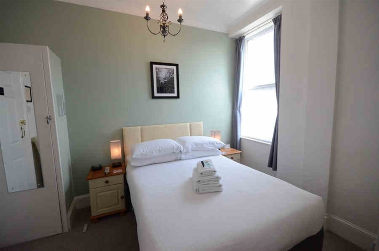 profitable guest house torquay - 9