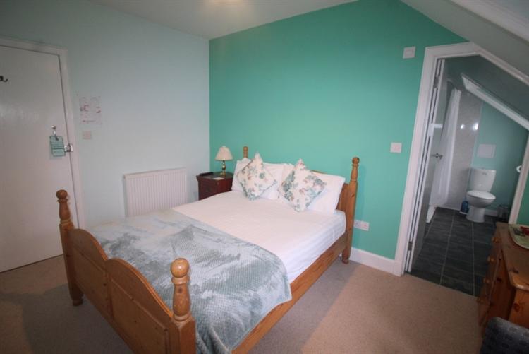 attractive 10 bedroom hotel - 7
