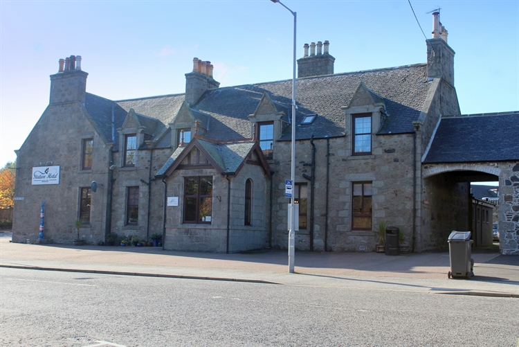 excellent 11-bedroom hotel situated - 15