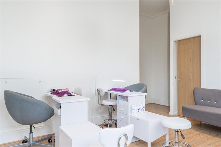 beauty salon london sw11 - 5