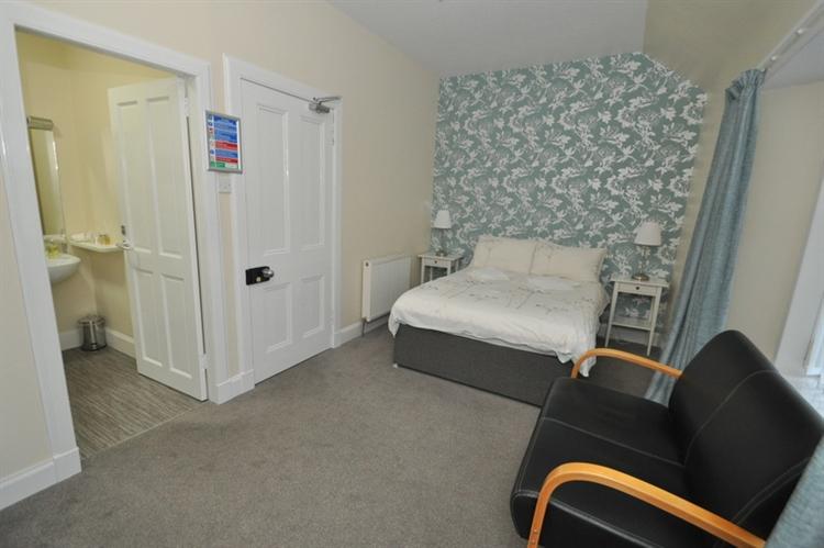 charming 9-bedroom hotel set - 15
