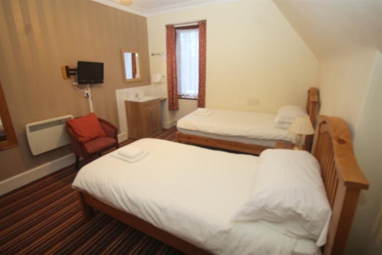 charming 8-bedroom hotel set - 11