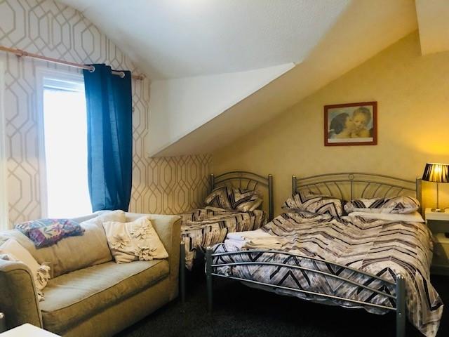ten bedroom licensed hotel - 13