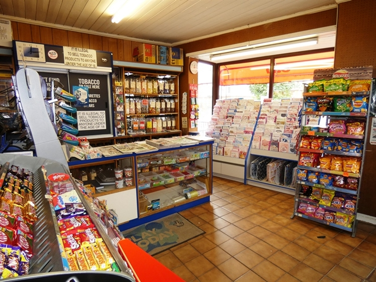 newsagent with accommodation leeds - 8
