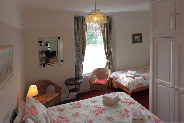 superb somerset seven bedroom - 4
