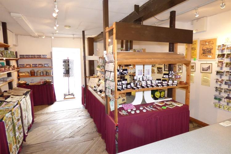 craft shop with accomodation - 9