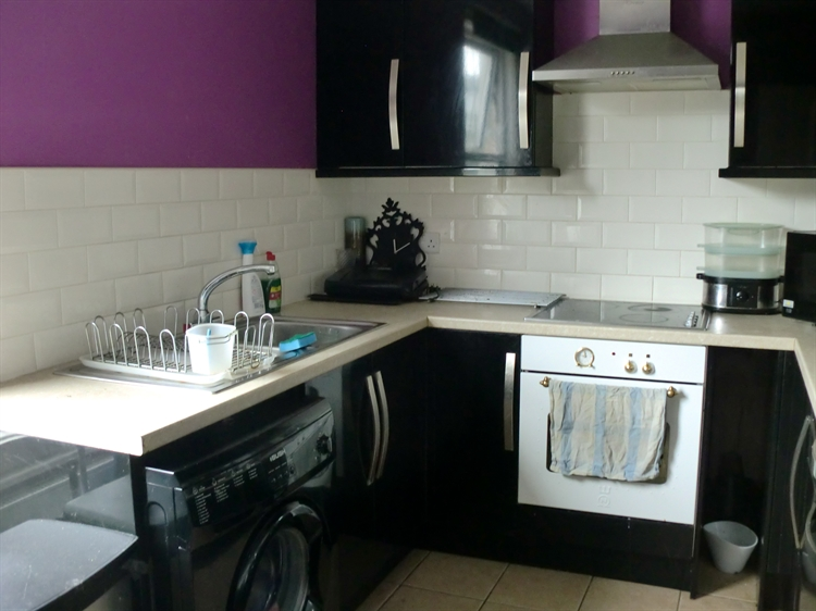 freehold convenience store flat - 9