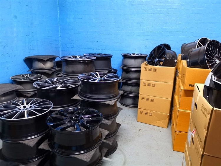 equipped cars alloy wheels - 7