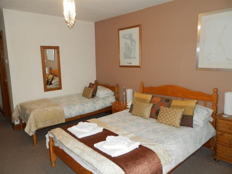 large 10 bedroom 4 - 9
