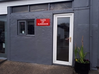 licensed taxi office sunniside - 1