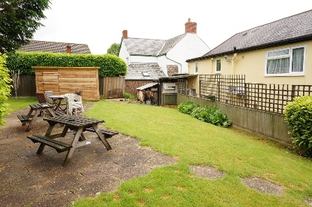 substantial detached character country - 6