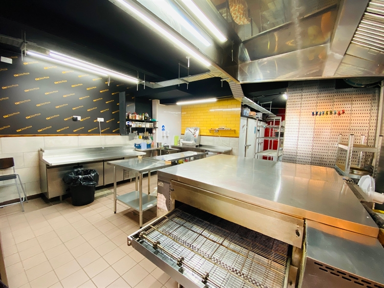 quality pizza takeaway business - 4