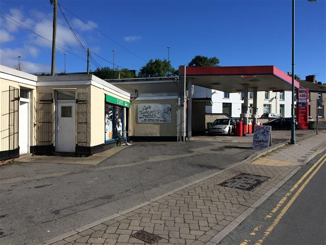 established petrol mot station - 5