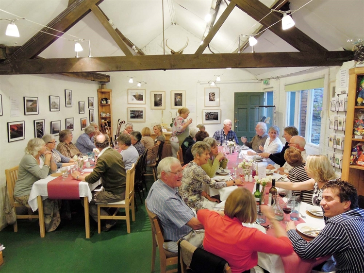 well known tearoom north - 5