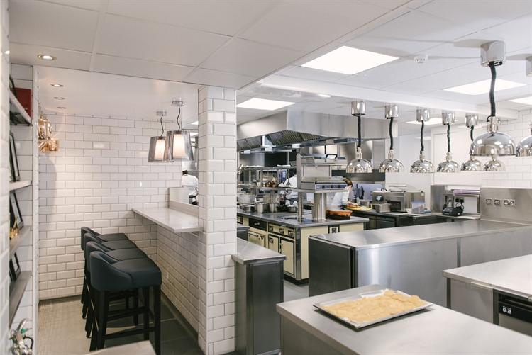 excellent restaurant opportunity edinburgh - 8
