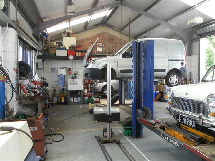 freehold petrol mot station - 6