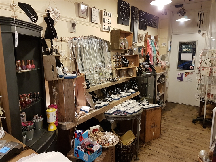 gift shop coffee shop - 8