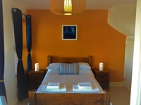 freehold guest house located - 3