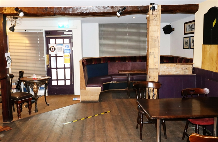 freehold freehouse with accommodation - 5
