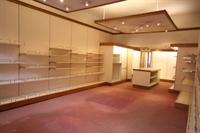 retail unit excellent location - 2