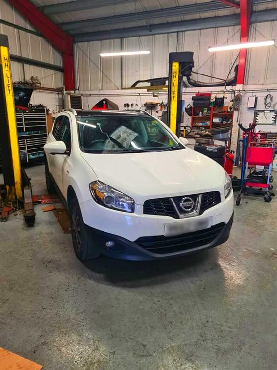 established car specialist garage - 10