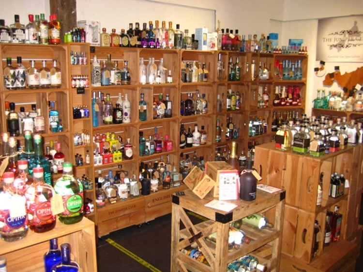 leasehold craft gin superstore - 8