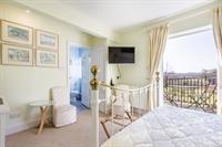 award-winning turnkey wiltshire bed - 2
