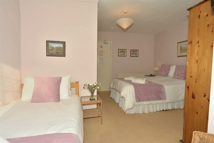 thatched cottage bed breakfast - 8