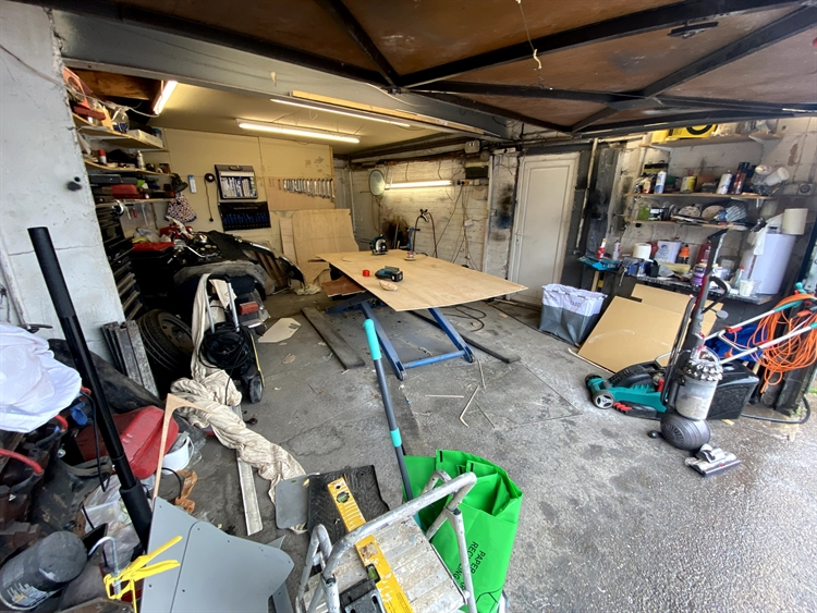 freehold garage bedroom acc - 13