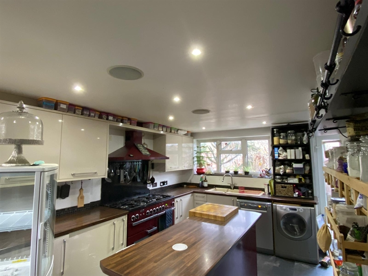 3 bed property with - 4