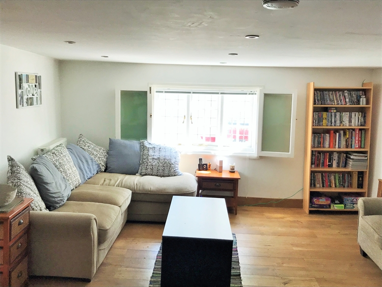 fabulous freehold opportunity within - 9