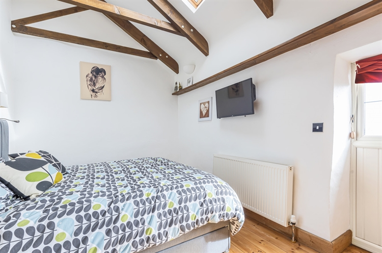 beautifully presented guesthouse accommodation - 7