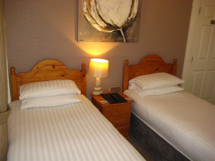 freehold nine bedroom guest - 4