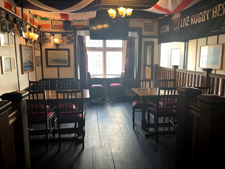successful town centre freehouse - 6