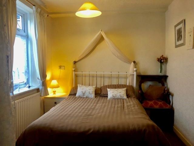 ten bedroom licensed hotel - 8