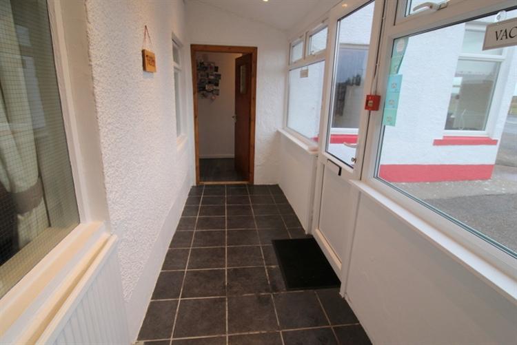 superb 5-bedroom guest house - 6
