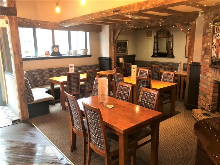 thriving town centre pub - 9