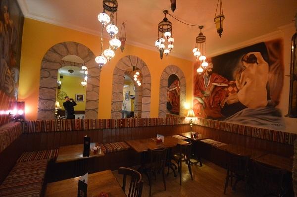 large edinburgh café restaurant - 8