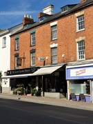 freehold well-established banbury traditional - 3