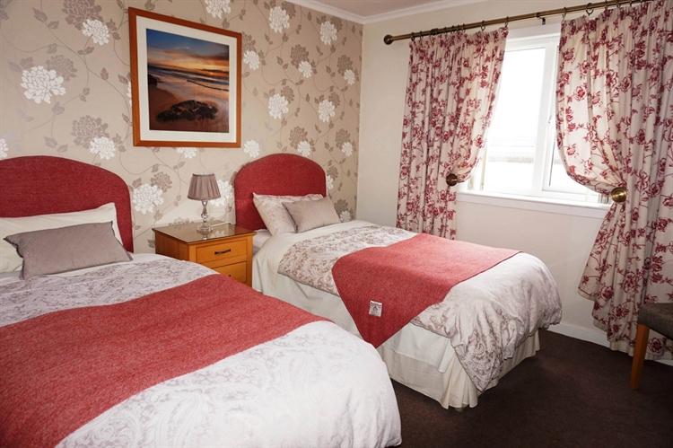 six bedroom bed breakfast - 7