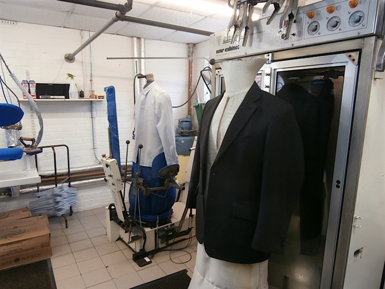 dry cleaners wilmslow cheshire - 4