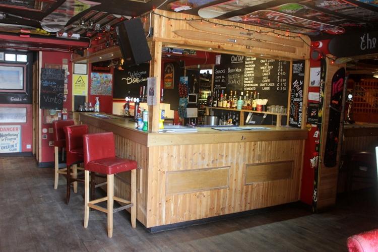 restaurant bar popular town - 11